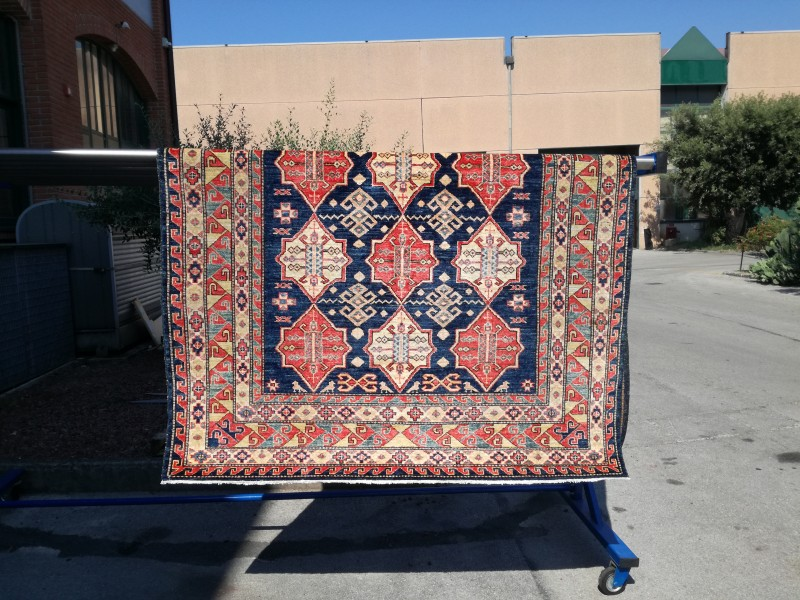 Tappeto Persiano, tipologia Kazak